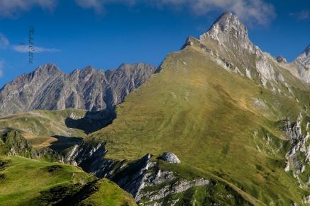 Pyrenees-France-montagnes-moutain