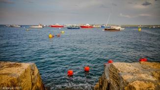 Bassin d'Arcachon ,pleine mer , bateaux de pêche.